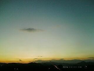 遠き山に日は落ちて…
